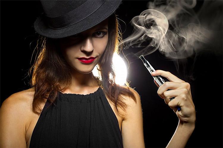 (音乐美文)女人,请不要做男人手中的烟  音画创作 110807xdyqlnrk3qa5ykym
